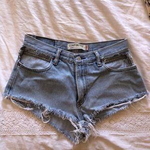 Levi's cutout pocket shorts!